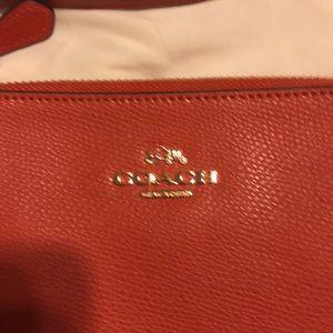 Cute NEW COACH Summer crossbody bag 9x8 $195 MSRP